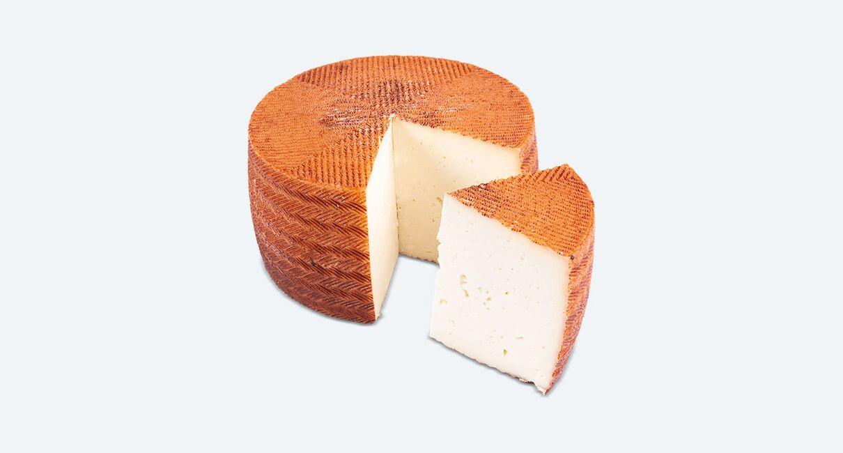 queso cabra leche pasteurizda semicurado 3kg cortada la cuña sin etiqueta